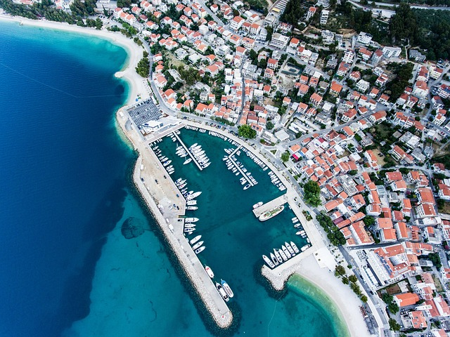 moře, přístav, lodě, město
