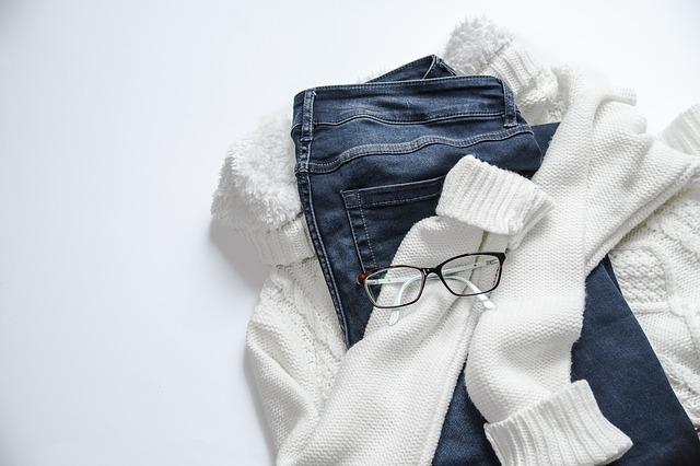 brýle na oblečení