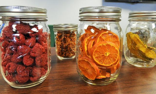 sušené ovoce ve sklenicích.jpg