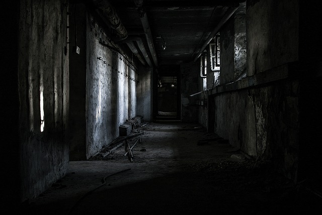 strašidelná chodba