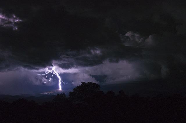 blesk v bouřce
